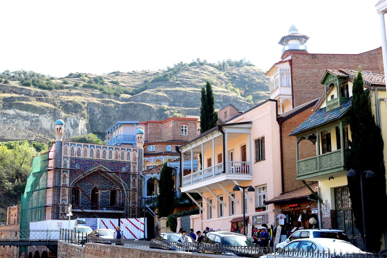 co zwiedzić w tbilisi stare miasto