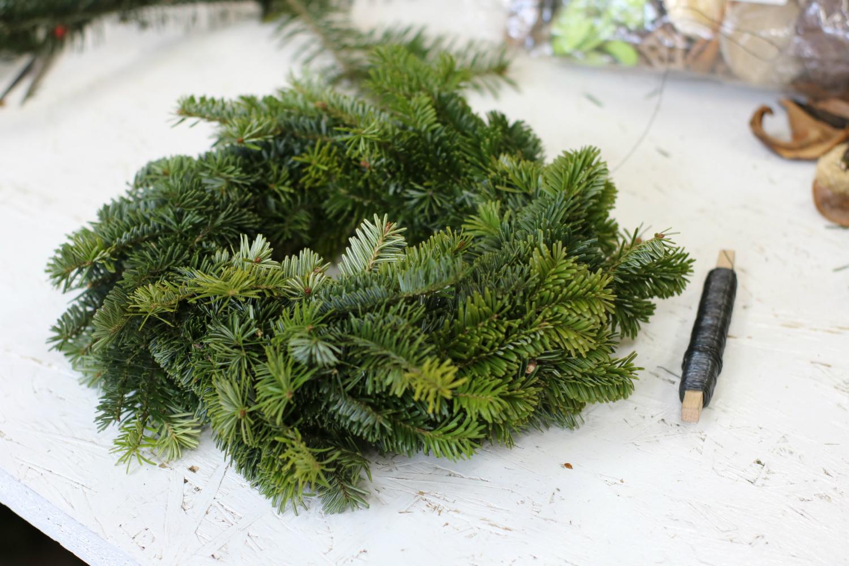 świąteczny wianek na stół